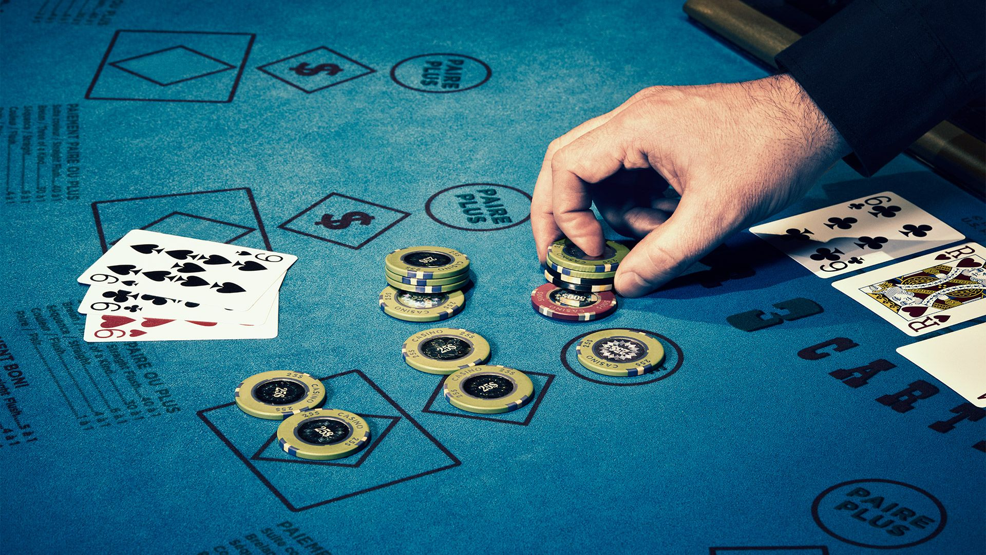 How To Play Like A Professional In Texas Holdem?